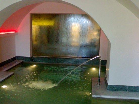 Pareti Con Cascate Dacqua : Fontane arredo interni cascate acqua sensazioni sensoriali