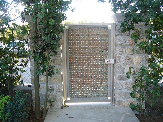 Beautiful in rame intrecciato effetto teacuu su cancello - Cancelletto in legno per esterno ...